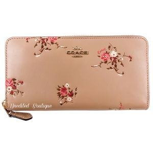 COACH Accordion Zip Wallet In Smooth Leather